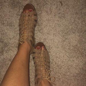 ROCKPORT Nude/Light Brown Gladiator Sandals